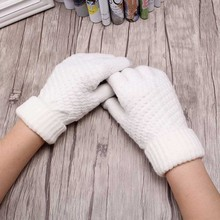 2019 New 1 Pair High Quality Solid Unisex Knitted Gloves Children Winter Warm Soft Screen sense Wrist Full Finger Mittens
