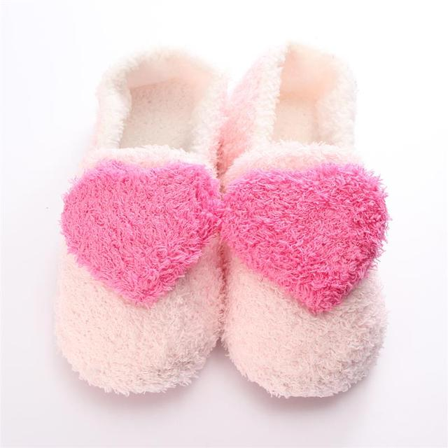 bcd532f7727 2019 Winter Women Slippers Love Heart Home Slippers Bedroom Soft Sole Shoes  Warm House Shoes Plush Pantufas Pantufa 3 Color