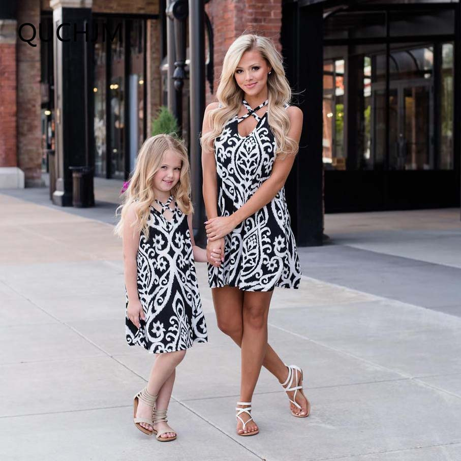 Family matching outfits Mother kids Fashion Black and white Print Mother daughter dresses Sleeveless Dress family dress clothing