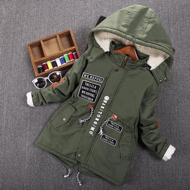 De los niños niño ropa masculina infantil wadded chaqueta del otoño y el invierno medio-largo 2016 niños, además de terciopelo engrosamiento bebé prendas de vestir exteriores top