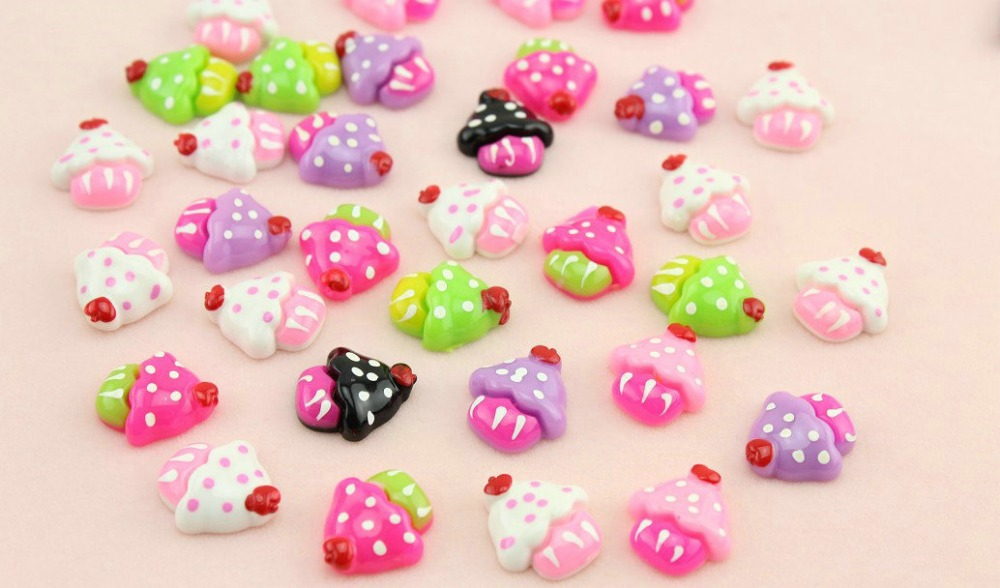 Set of 100 pcs 20mm Cupcake cabochons cherry on top flat back embellishment resin cab mixed colors