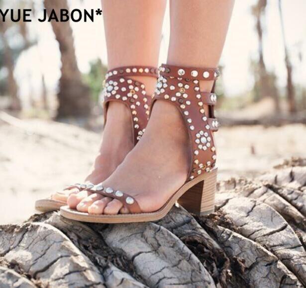 YUE JABON Rome Gladiator Stil Nieten Verziert Frau Sandalen Schnalle Offene spitze Dame Ankle Wrap Casual Sandalen High Heels-in Hohe Absätze aus Schuhe bei  Gruppe 1