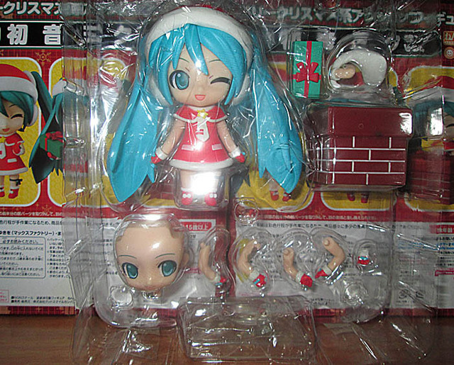 10cm Q version Red Hatsune Miku Anime Collectible Action Figure PVC toys for christmas gift with retail box