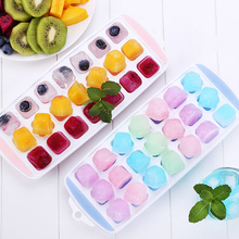 1 Piece Kitchen Ice Cube Tray Summer Honeycomb Shape Grid Cubes with Spill-Resistant Removable Lid