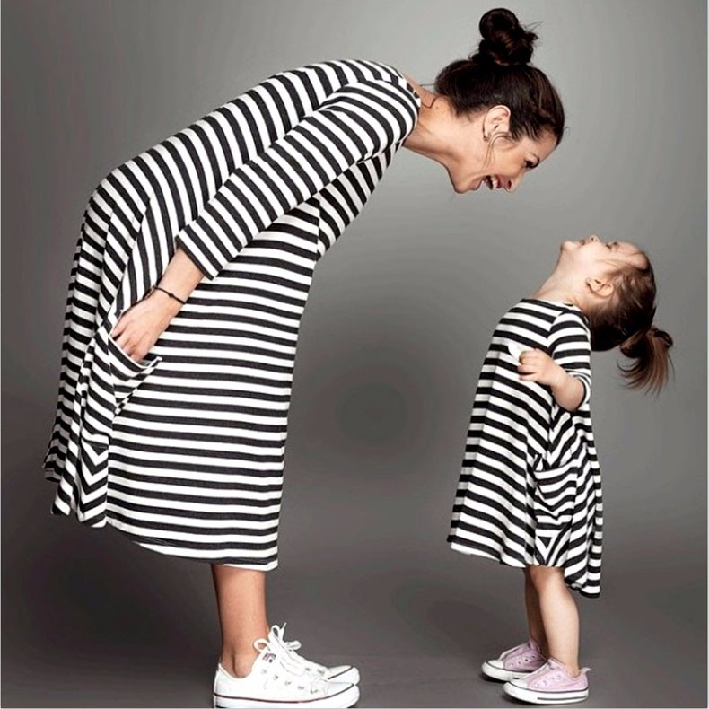HTB1n8GeLXXXXXX7apXXq6xXFXXXR Mommy and me family matching mother daughter dresses clothes striped mom dress kids child outfits mum big sister baby girl