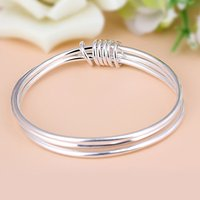 Antique Design Women Bangle Elegant Charms Women Hollow Out Fashionble Cuff Bracelet Jewelry Valentine Gift for Ladies