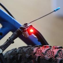 Tylne światła tylne rowerowe hamulce czerwone światła LED lampa garnitur dla v-brake i c-type akcesoria rowerowe hamulca tanie tanio Sztyca Baterii