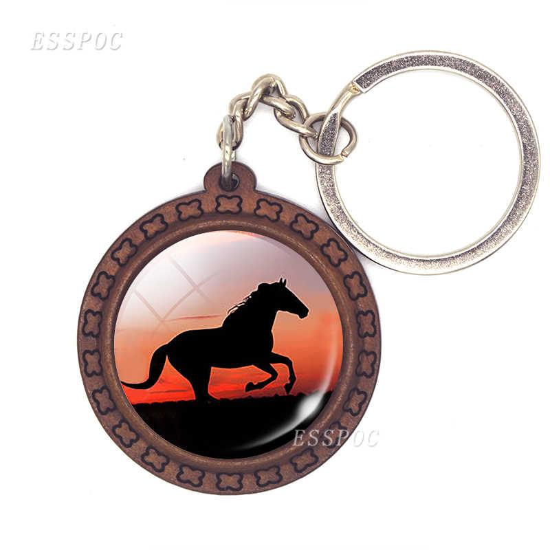 Cavalo pingente cavalo de vidro cabochão chaveiro de madeira moda acessórios para mulher presente artesanal