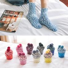 Рождественские Женские мягкие домашние носки, аксессуары, 1 пара, яркие женские пушистые носки, теплые зимние удобные носки для отдыха, рождественский подарок