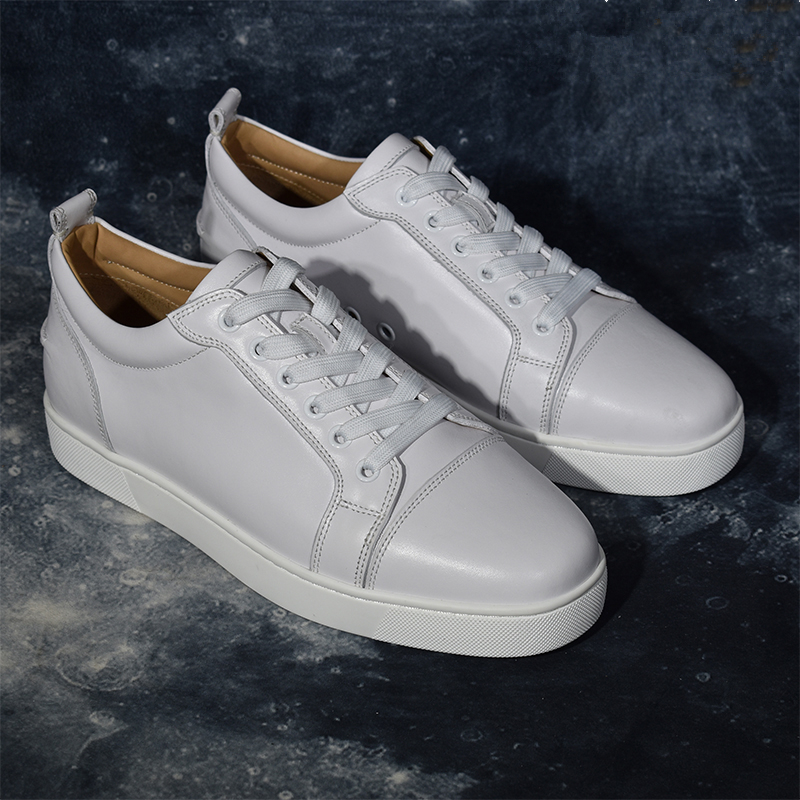 Men Leather Casual Shoes Low Top Spikes Metal Zipper Zapatos Hombre Cool Leisure Men Shoes White Round Toe Lace Up Shoes Men