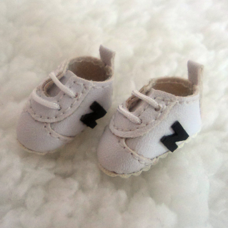 ob11 white shoes