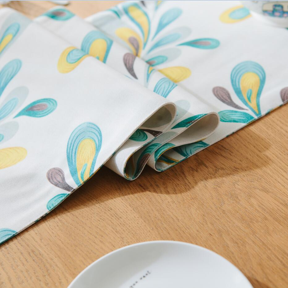 WLIARLEO Table Runner Double Sided Printed table runners for Home With Tassel Tables Feather Decoration caminos de mesa Placemat