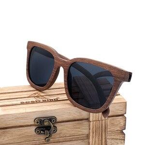 Image 4 - Bobo pássaro óculos de sol polarizados de madeira dos homens das mulheres óculos de sol preto nogueira de madeira vintage uv400 óculos de bambu na caixa de presente
