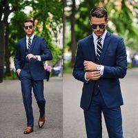 Mais recentes Modelos Casaco Calça Azul Marinho Noivo Smoking Estilo Italiano Ternos de Casamento Dos Homens de Negócio Considerável Suit (Jacket + Pants + colete + Gravata)