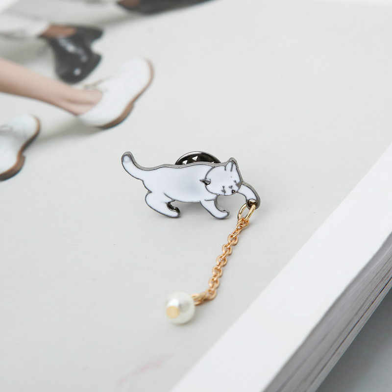 Punk 2018 Fashion New Collar Needle White Cute Kitten Pearl Brooch Wholesale Sales Brooches For Women Emaille Pin Abeille