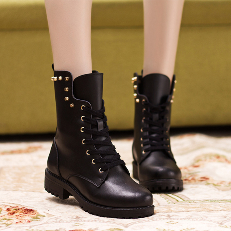 ФОТО Women Winter Fashion Leather Dr Boots Rivet Shoes Black Fur Warm Hombre Tenis High Quality Round Toe Fashion Boots Woman Cool