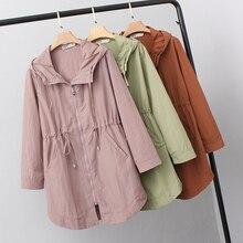 Женское пальто размера плюс, весна-осень, корейская мода, средней длины, длинный рукав, с буквенным принтом, ветровка с завязками, куртка, женская одежда