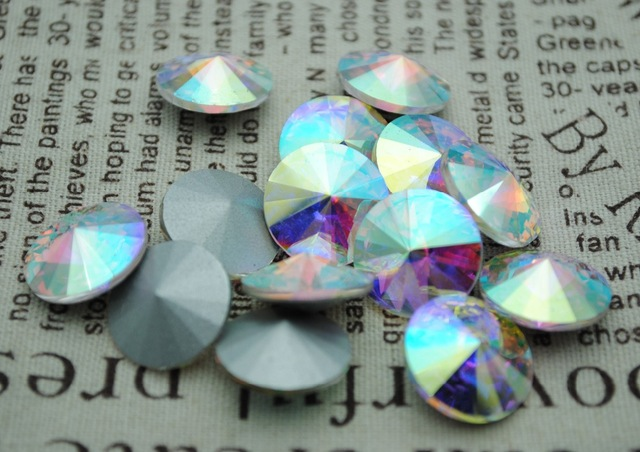 100pcs / lot Crystal AB Warna 8mm, 10mm, 12mm, 14mm, 16mm, 18mm, 20mm China Top Kualiti Round Fancy Stone Rivoli manik kaca