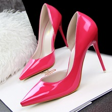 Summer high-heeled shoes Patent leather pointed fine with Shallow port side empty shoes Hollow heels Black Purple