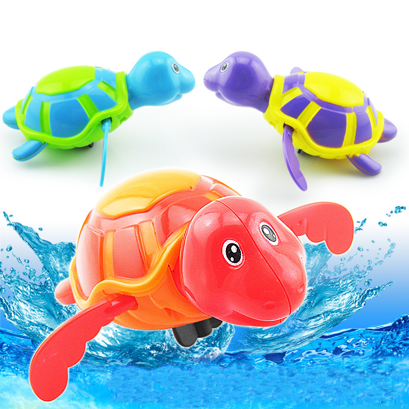 Söt Drick Float Vatten Badvatten Leksaker Barnens Play Clockwork Svängning Sköldpadda Utbildningsbar för Barn Babybadleksaker