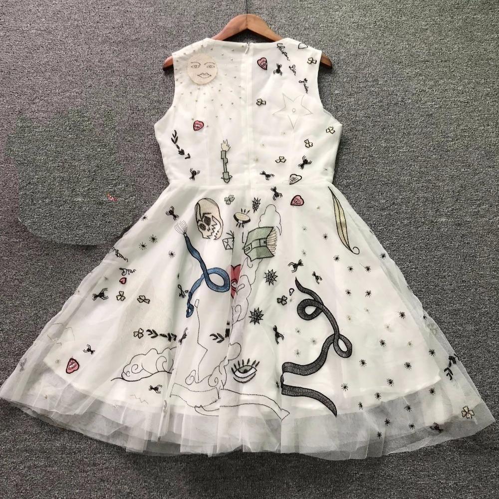 2018 High Quality Luxury Brand Embroidery Sarafans Beading Summer Woman Mini Dress Elegant Mesh Evening party Dress Vestidos