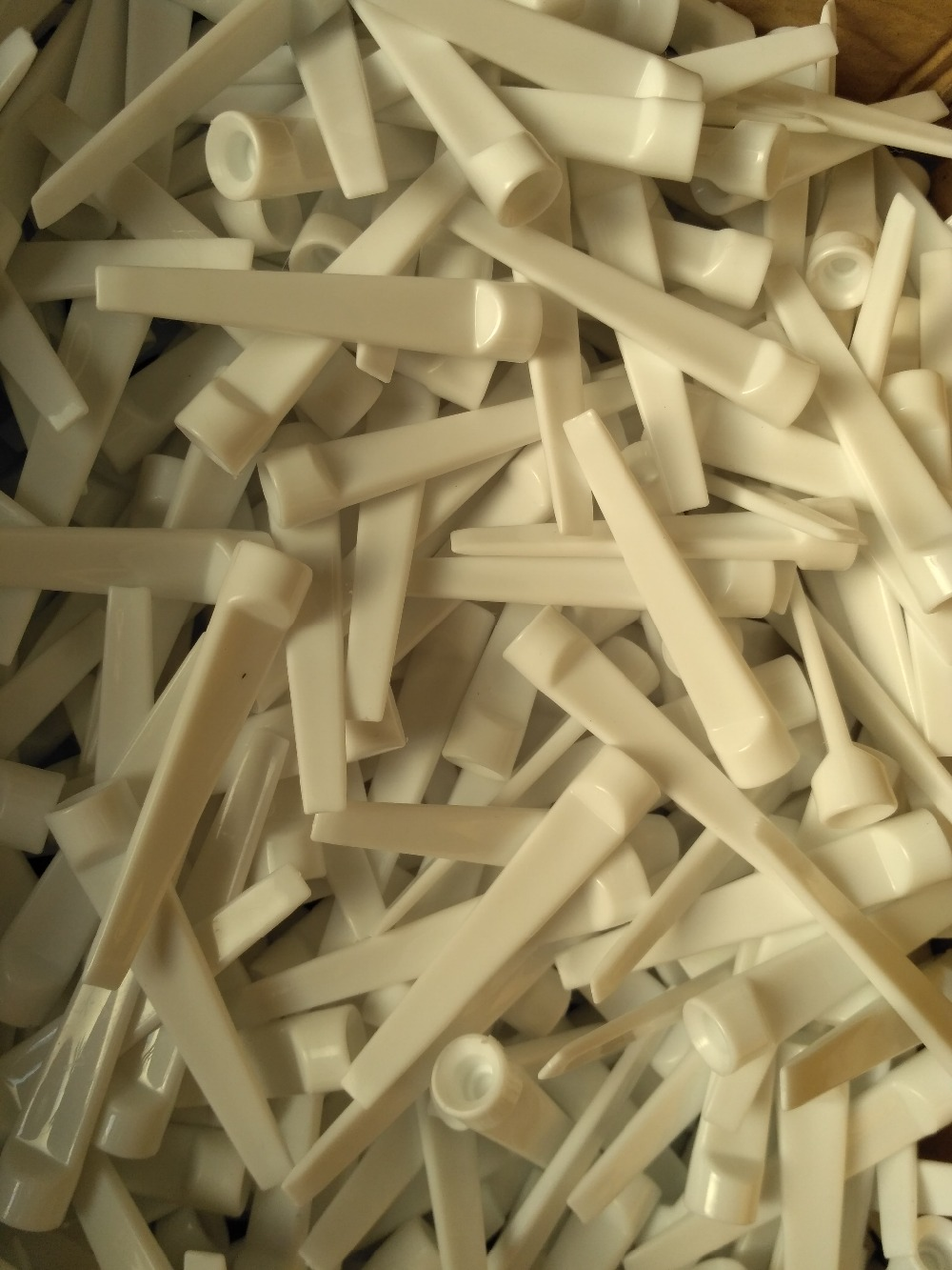 100pcs/ lot 70mm white plastic golf tee