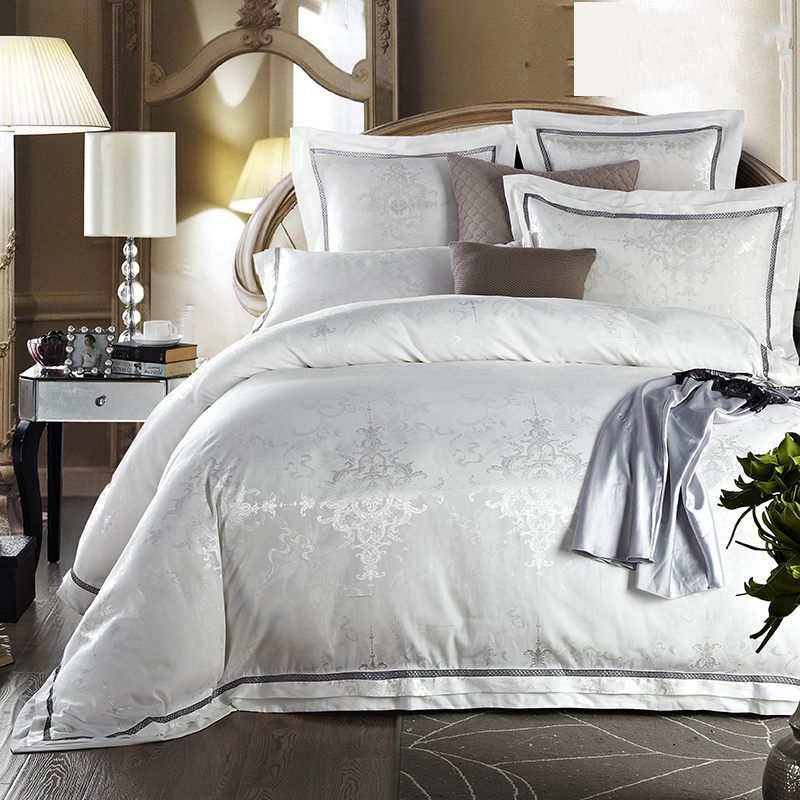 White Jacquard Silk Bedding Set For Queen King Size 4pcs