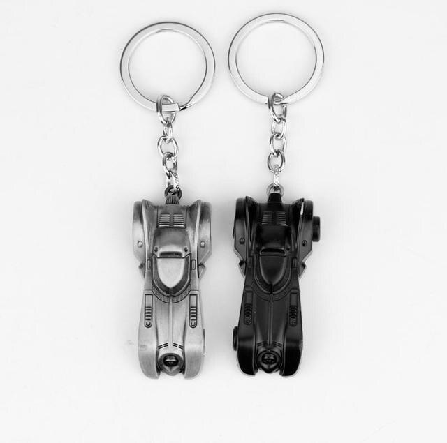 6cm Auperhero Die Dark Knight Auto Keychain Batmobil Legierung Anhänger Spielzeug Schlüsselanhänger Bat Mann Schlüssel Kette Ring Abbildung Spielzeug