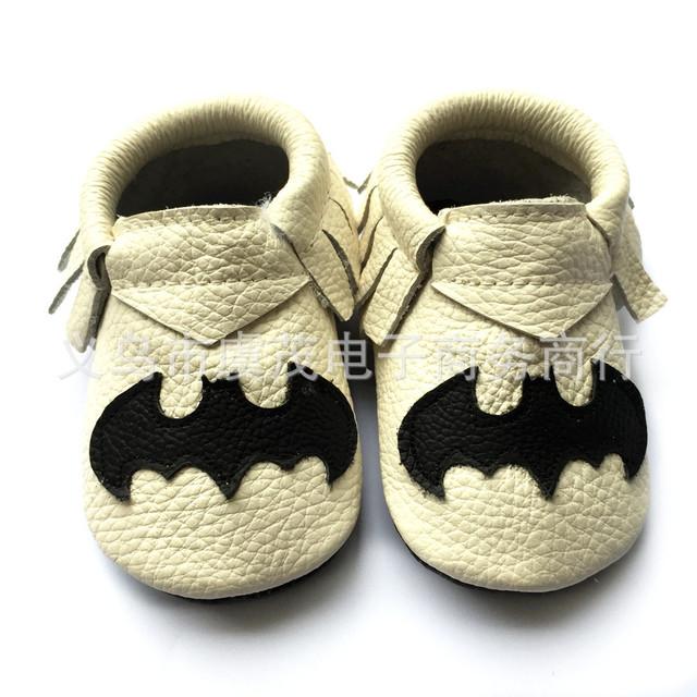 Negro bat bebé mocasines zapatos Recién Nacido Lindo animal Print de Cuero Genuino Muchacha del muchacho Suave suela Bebe cool boy zapatos de bebé zapatos de Los Niños