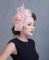 Koreaanse Britse Stijl Struisvogelveren Sinamay Tovenaar Bruiloft Hoed Voor Bruid Grote Bloem Linnen Partij Haarband Clip Hoofddeksels