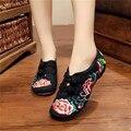 A senhora deputada vitória Bordado Floral das Mulheres Mocassins de Lona Retro Tecido de Algodão Ocasional Das Senhoras Plataformas Planas Sapatos Sapato Feminino