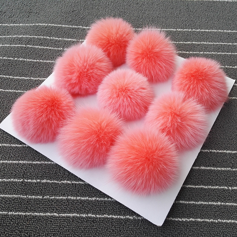 10pcs / lot 8cm Natural Real Fox Fur Ball Pom Poms Fluffy Fur Pompom DIY Kvinder Børn Vinter Hat Skullies Shirts Strikket Cap R12A
