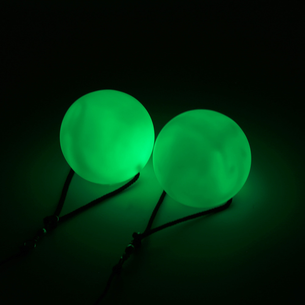 LED Multi-Coloured Glow POI Thrown Balls Light up For Belly Dance Hand Props OS