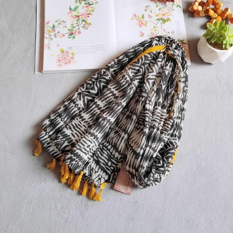 Voile Syal Wanita Syal Baru Fashion Tipis Panjang Selendang Lembut Selimut Besar Bungkus Musim Panas Geometris Selendang Wanita [3001]