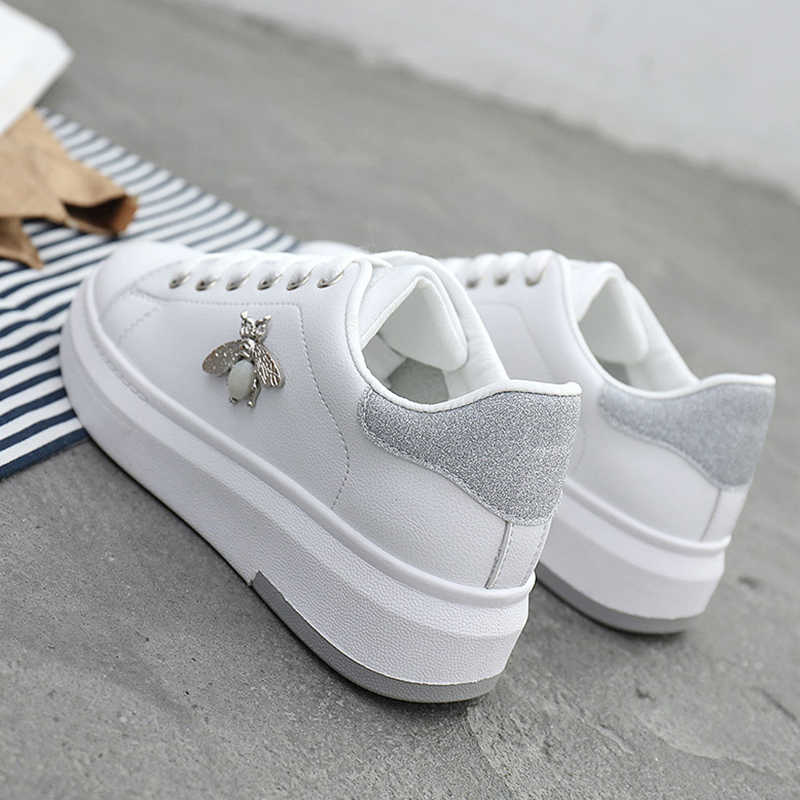 Chaussures en cuir PU blanches respirantes pour femmes, strass, chaussures de Tennis pour femmes, nouvelle collection chaussures décontractées 2019