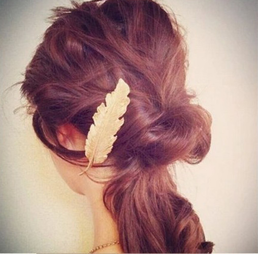 HTB1nC8hLpXXXXaAXVXXq6xXFXXXD Stylish Feather Hair Clip Statement Head Jewelry For Women in 3 Colors