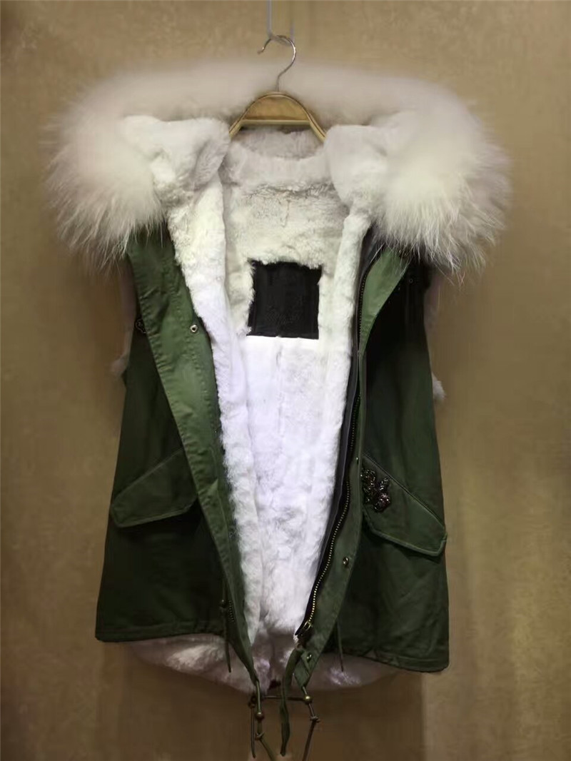 2017 hot sale beading style men winter coat outwear large raccoon fur collar waistcoat white fur vest