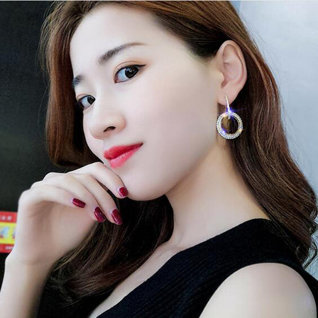 New Design Creative Jewelry High-grade Elegant Crystal Earrings Round Gold and Silver Earrings Wedding Party Earrings for Woman 1