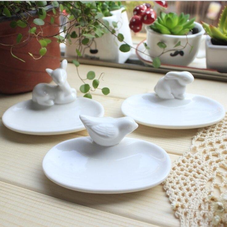 Get the Deal: Mini Square Dish, Raised Corner Dish - White ...