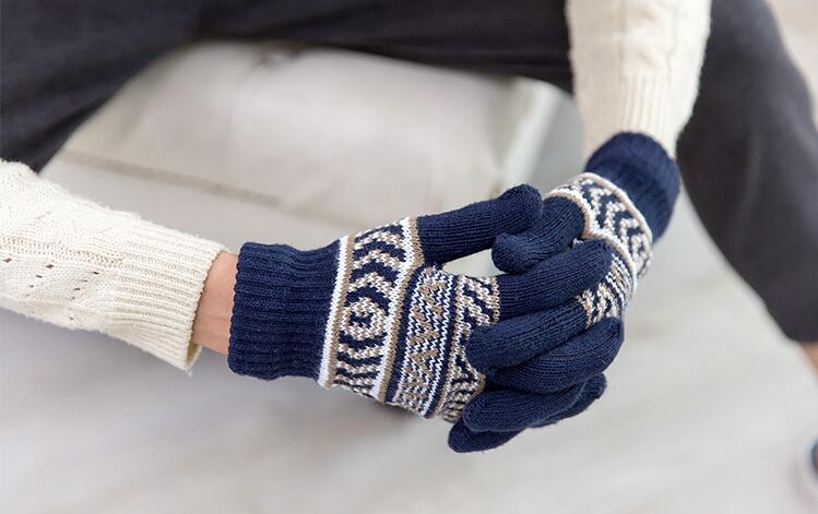 2018 hombres de la moda de lana invierno sólido diseño suave guantes manoplas hechas punto guantes de mano caliente s71