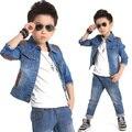 2016 a estrenar niños Denim Jeans Set para niños moda niños Denim chaqueta + los pantalones vaqueros Streetwear muchachos saltar vaqueros juego de los deportes, C045
