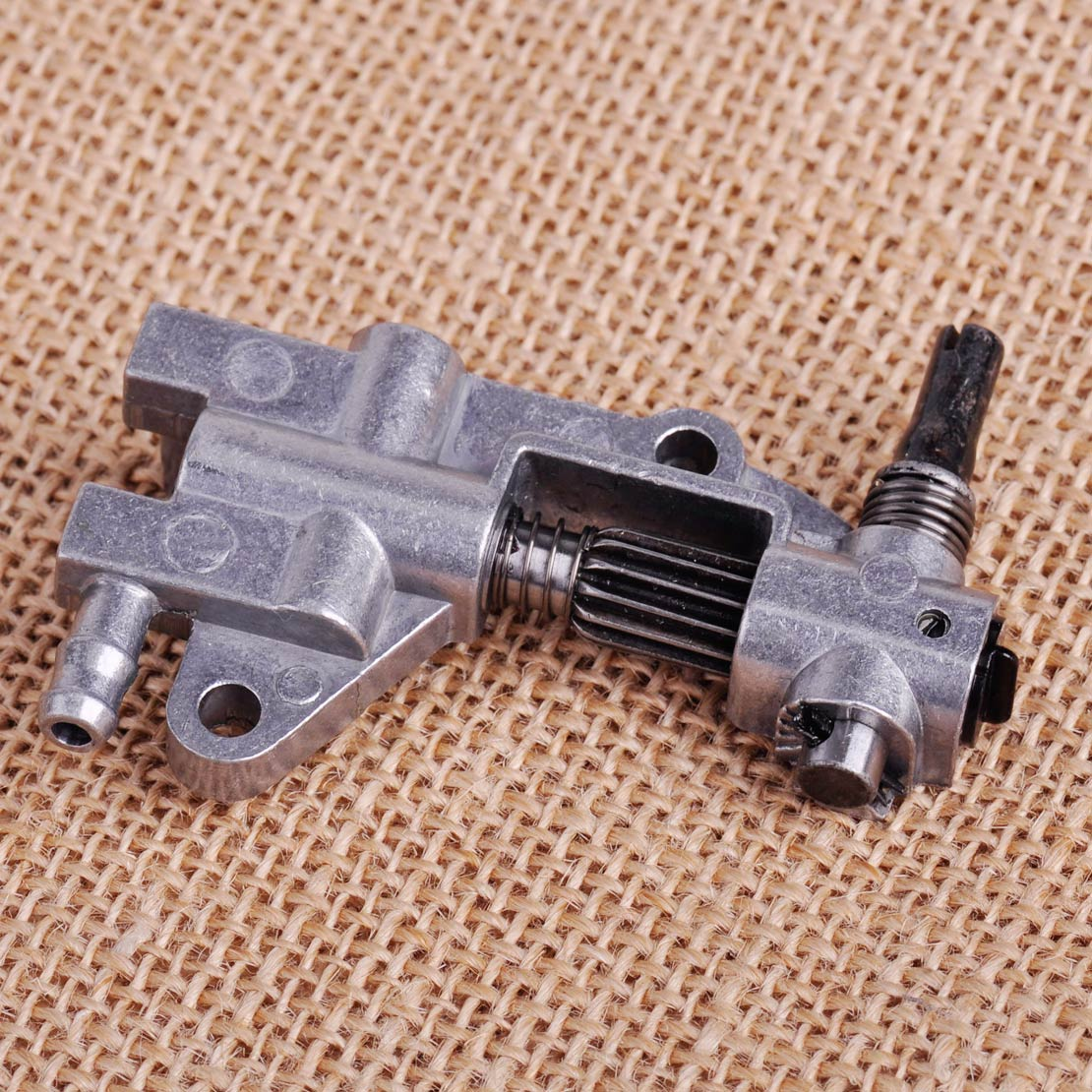 LETAOSK New Oil Pump Replacement Fit For Chinese Chainsaw 4500 5200 5800 45CC 52CC 58CC
