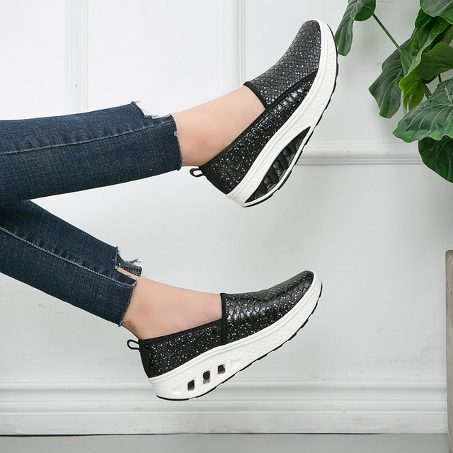 New Design Women s Sequins Sneakers Crocodile Pattern Outdoor Fitness Shoes  Eye-catching Height Increase Slimming Shoes Big Size a50d22c6827a