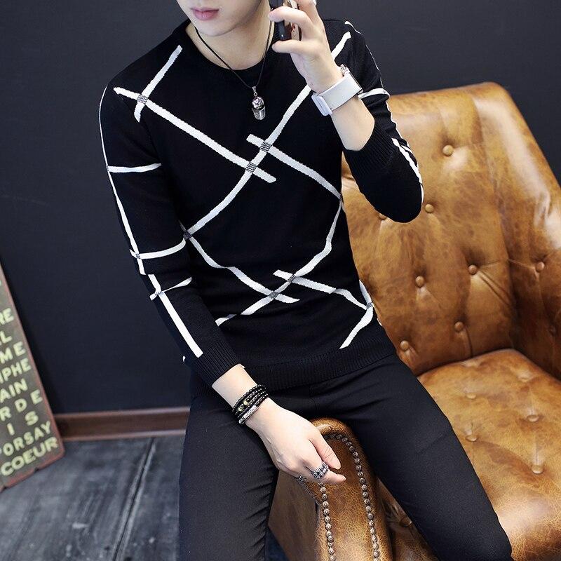 Autumn And Winter New Men's Sweater Teenager Slim Round Neck Men's Sweater Korean Slim Striped Sweater  111