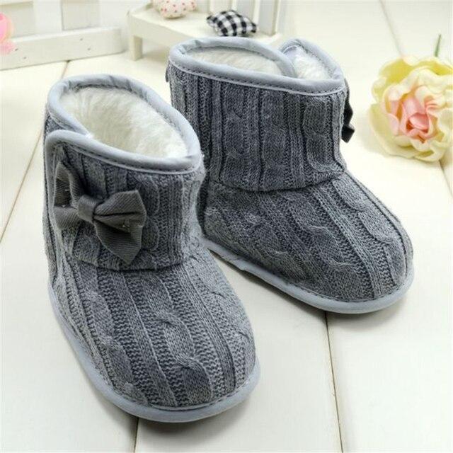 36b351aad421a Bébé Fille Tricoté Bottes Bowknot Faux Polaire Semelle Souple Chaussures  Enfants De Laine Yam Tricoté De