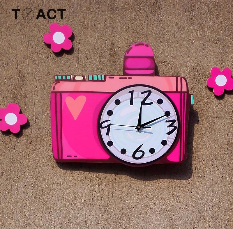Mignon caméra horloge suspendue muet chambre des enfants horloges murales maternelle montre décorative créative dessin animé mur montres cadeau