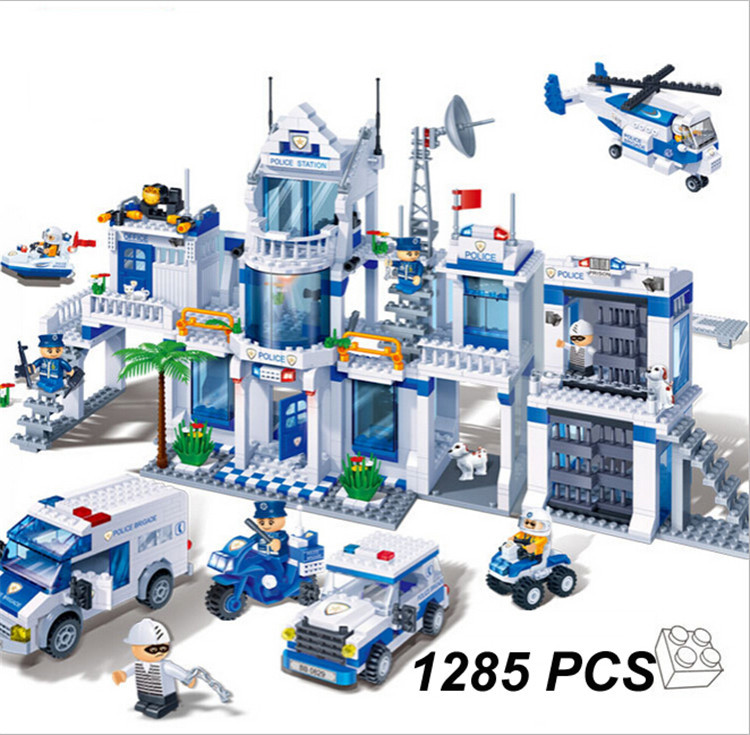 Model building kits compatible with lego City Extra Large Police Station 3D blocks Educational model building toys 8353