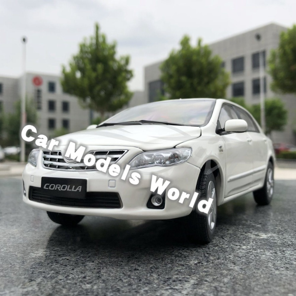 Diecast Car Model for Old Corolla 1 18 White SMALL GIFT