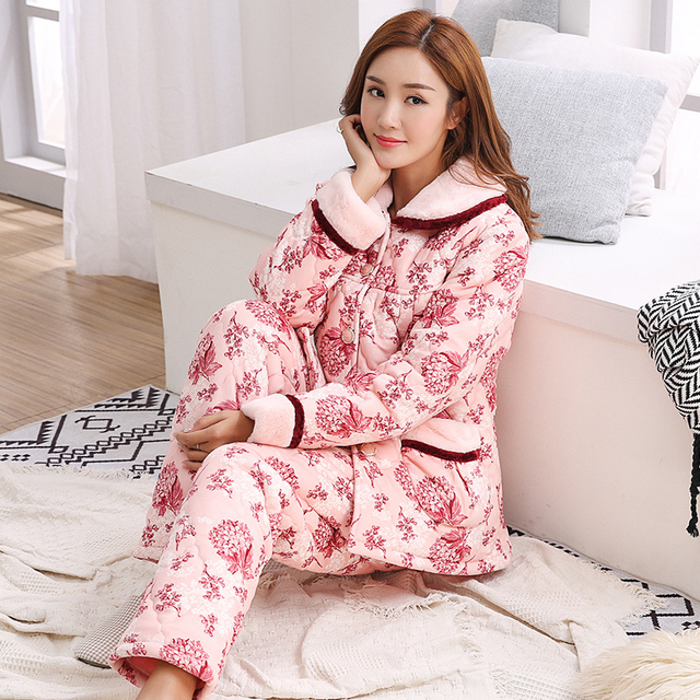 Floral Quilted Sleepwear Female Autumn and Winter Three-tier Thickened Warm  Coral Fleece Jacket Mother s Flannel Home Suit M-3XL 445485f05