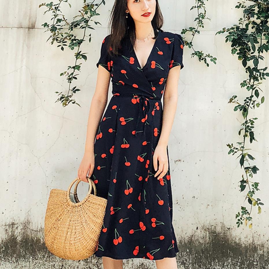 2018 Summer Dress knee length Dress vintage Cherry Print Flower Red Beach Dress V Neck Sexy Casual Retro wrap Dress